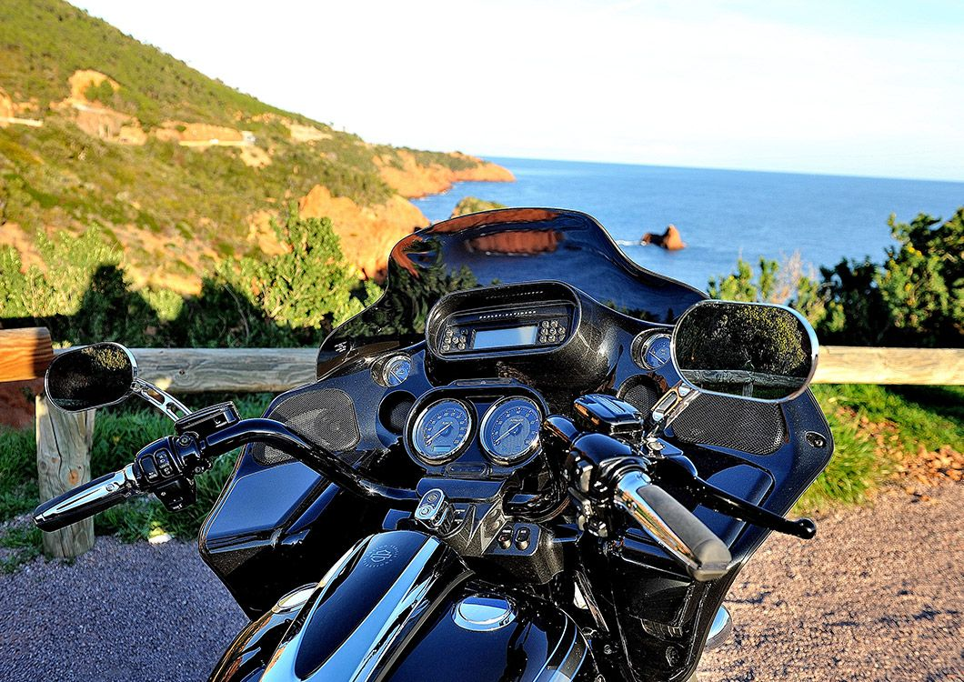motorcycle in front of the sea in provence